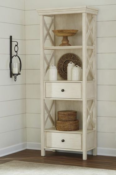 Bolanburg Display Cabinet in Antique White