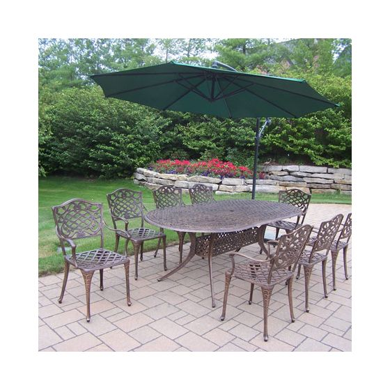 Mississippi Oval 10 Piece Dining Set, Cantilever Umbrella