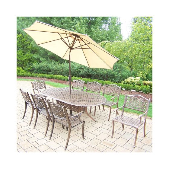 Mississippi Oval 11 Piece Dining, 8 Arm Chair & Umbrella