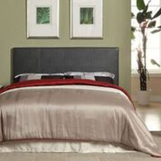 Ameena Leatherette Cal. King Platform Bed in Gray