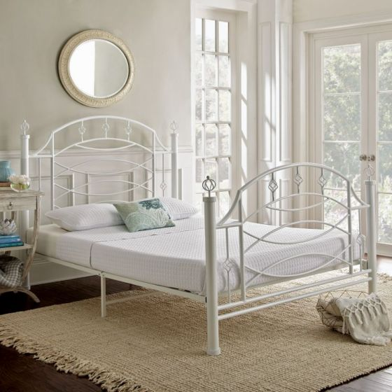 Noemi Queen Bed with Mattress in Vintage White