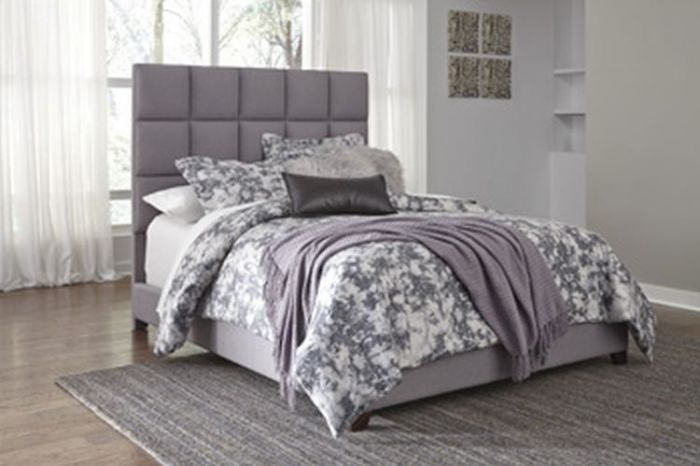Contemporary Upholstered Beds Queen Bed in Gray
