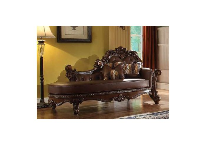 Vendome Chaise with 2 Pillows in Cherry