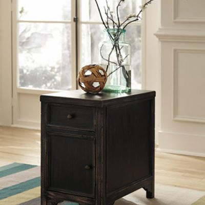 Gavelston Chair Side End Table - T732-7