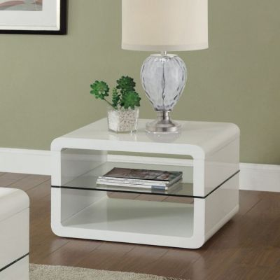 3 Shelf End Table in White - 703267